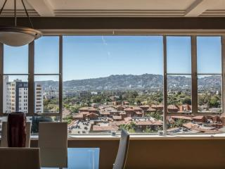Panoramic View from a Modern 2BD, Los Angeles