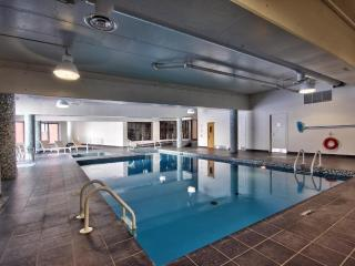 Midtown near Metro, Shops & Restos w Pool & Gym, Montreal