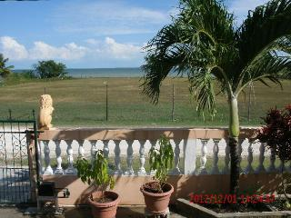 $975.00/mo. Wonderful SEAVIEW  2 br apt., Corozal Town