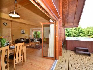 31884 Log Cabin in Dorchester, Melcombe Bingham
