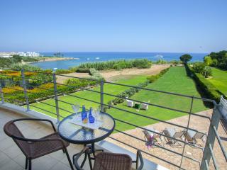 Protaras Beachfront  PRSC2 Villa Del Mare
