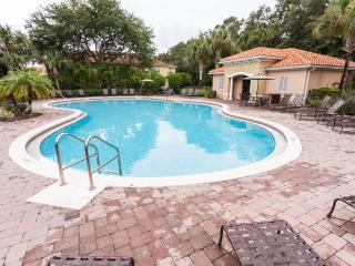 COMPASS BAY. WONDERFUL TOWNHOUSE!!! LUXURY,SAFE,GATED CONDO! FULL EQUIPED., Kissimmee