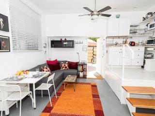 Venice Beach studio, great location, great price