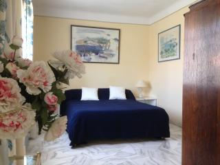 IDEAL LOCATION 3 bedrooms Free Parking  AC Terrace, Le Cannet