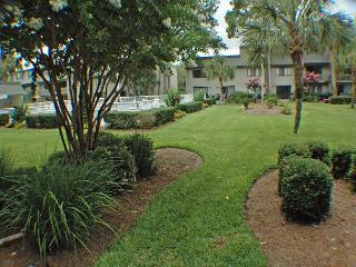 Surf Court 76 - Forest Beach 1st Floor Flat, Hilton Head