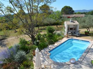 Villa Val d'Or Apartment with a Pool, Fireplace, a