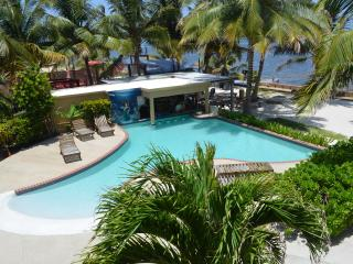 Oceanfront 3 bedroom Condo, San Pedro Belize