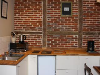 APPARTEMENT DE CHARME 4 PERSONNES. CENTRE HONFLEUR. PARKING PRIVE. WIFI GRATUIT