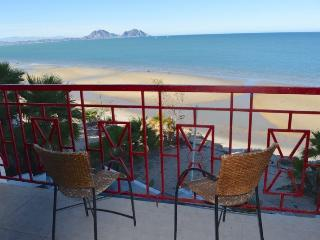 Gorgeous Beach front 4 bedroom Casa Laura