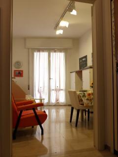 Il soggiorno visto dall'ingresso