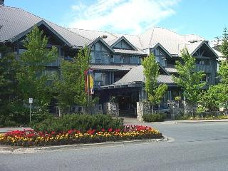 Upper village,2Bedr, 2Bathr, Pool, Hottubs, Wifi,, Whistler