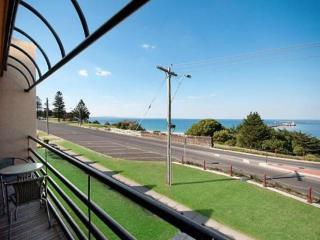 Harbor Views CBD 2 Bedroom Apartment