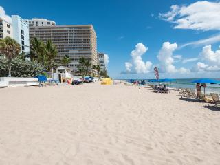 2 bedroom apartment on beach of Fort Lauderdale