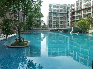 LUXURY BEACHSIDE & GOLF CONDOS: 2 BED + 1 BED, Hua Hin