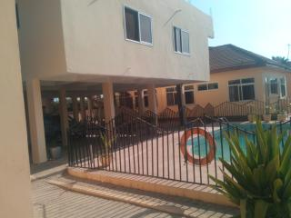 Deluxe Serviced one bedroom apartment in Accra with pool