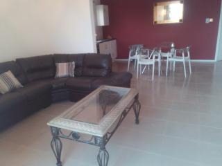 Accra Serviced Villas. One bedroom self-contained villa.Open plan lounge and dinning. Secured unit.