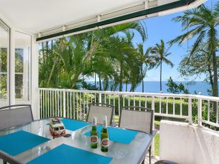 Trinity Beach Waterfront  - The Beach House 3BR