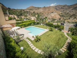 Villa Mastrissa pool luxury apartment, Taormina