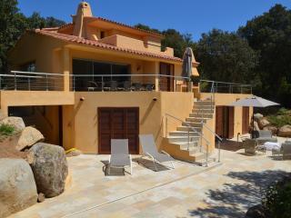 Villa domaine privé Cala Rossa proche plage 8 pers, Porto-Vecchio