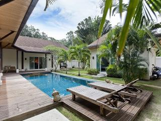 Villa Cesadelsol - 3 BR Holiday Home With Pool, Kata Beach