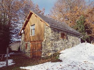 la grange de Guirel à 950m   sud face aux Pyrenées, Biert
