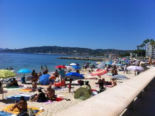 3 Bedroom flat 100m from Beach, Juan-les-Pins