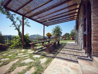 Villa with pool-scenic view-ensuite bedrooms-wifi