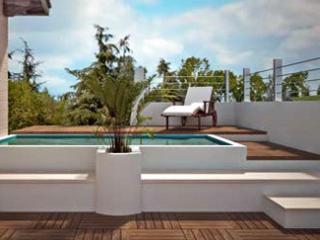 Attico con piscina privata, Misilmeri