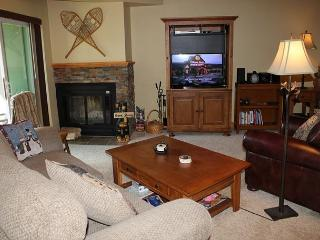 TH104H Lovely Remodeled Condo w/Wifi, Clubhouse, Silverthorne