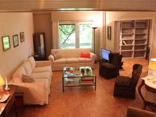 Spacious 2BD Apartment, Hilton. Walk everywhere!, Athene