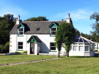Luxury Self Catering Cottage Tomatin by Inverness