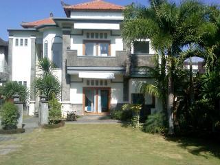 Daruma villa in Batu Belig Seminyak