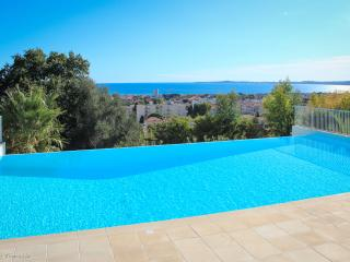 Gorgeous apartment, French Riviera, Pool, Car park, St-Laurent du Var