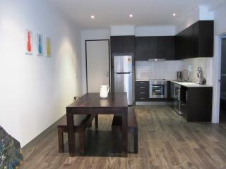 Chic Foreshore Apartment, Rosebud