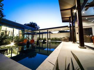 Villa Prai Panah - Modern 2 BR With Private Pool, Non Narai
