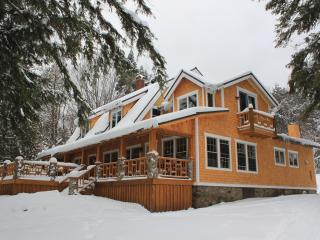 Four Seasons Lodge on 4th Lake Old Forge NY