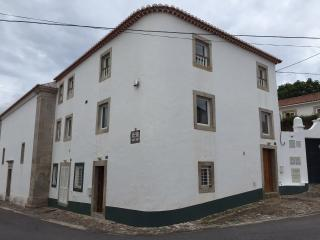 Colares-In is best located on the historic center