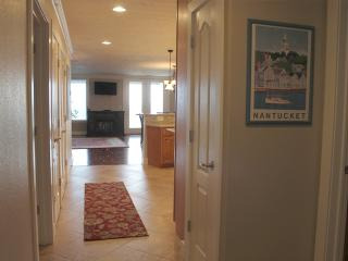 2 Bedroom 2 Bath Spacious, Luxury Units - 1409, Indian Point