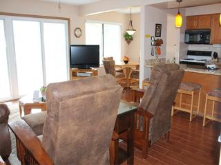 2 Bedroom 2 Bath Private Deck Units - 1004, Indian Point