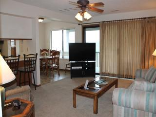 2 Bedroom 2 Bath Private Deck Units - 404, Indian Point