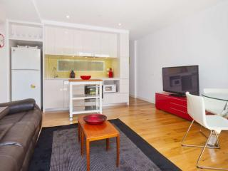 Finest Short Stays Port Melbourne  : G10/70 Nott St, Port Melbourne