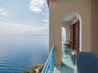 Apartment with Private Beach on the Amalfi Coast and Balcony Sea View