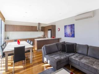 Elwood Apartment Accommodation  : 2/92 Tennyson Street, Elwood