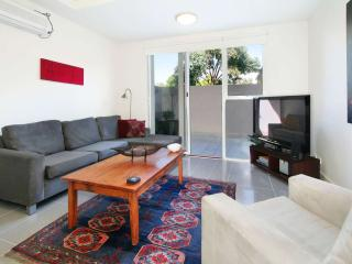 Short Stay Executive Apartments St Kilda East  : 4/114a Westbury Close, St