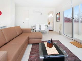 12/114a Westbury Close, St Kilda East, Melbourne