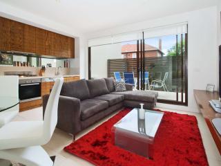 2 Bedroom Executive Apartment St Kilda  : 208/27 Herbert Street, St Kilda