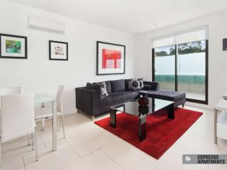 Accommodation in Executive Apartment in St Kilda  : 307/27 Herbert Street, St