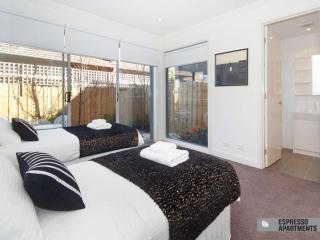 18/293-295 Hawthorn Road, Caulfield, Melbourne