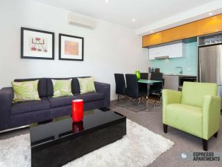 Executive Apartment St Kilda  : 23/220 Barkly Street, St Kilda