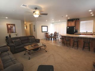 Comfortable 2 Bedroom Ground Floor Condo in Newest Building at Las Palmas Resort, Saint George